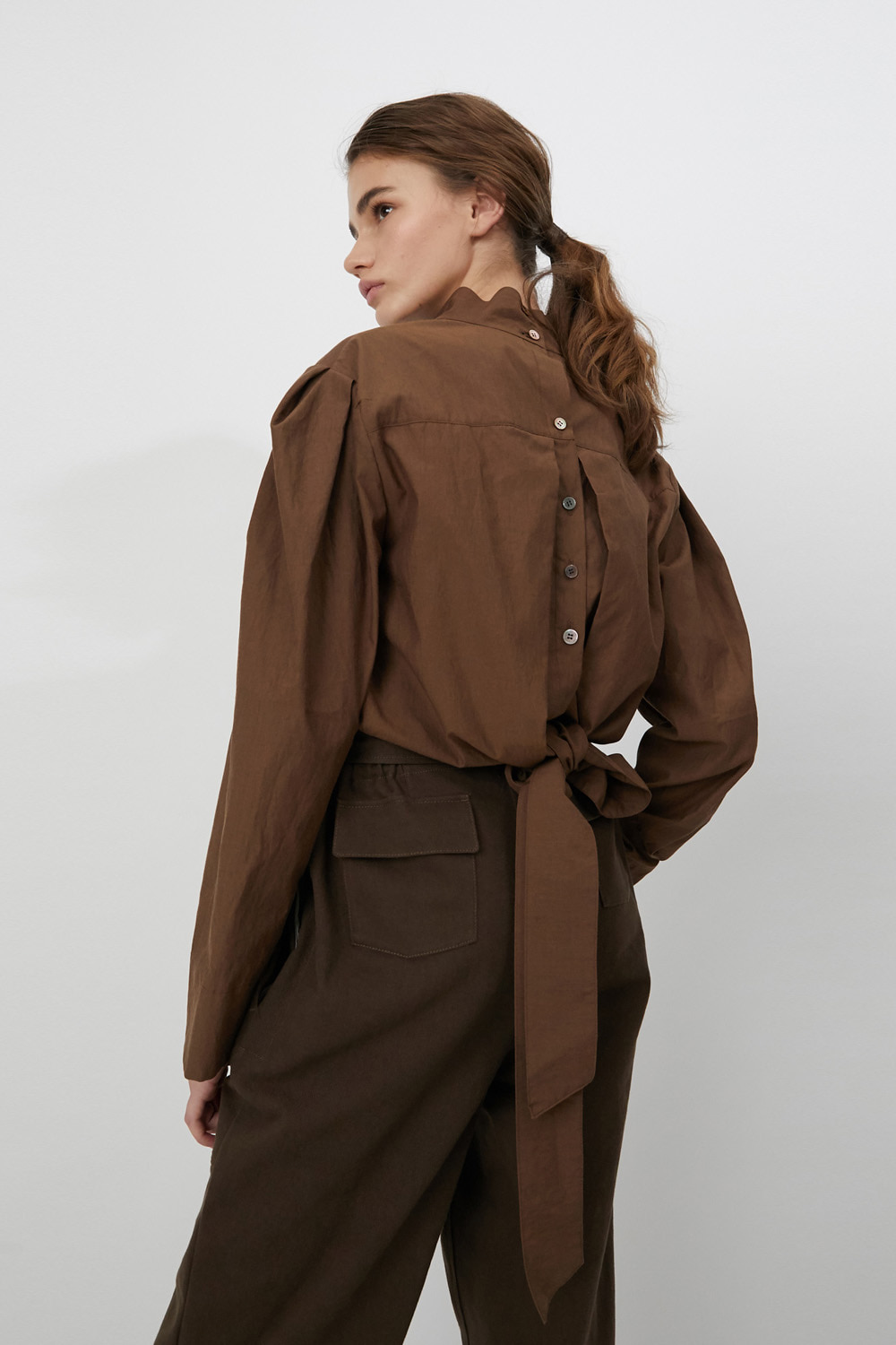 Blouse Button Back Brown