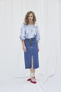 Front Slit Denim Skirt / Singer JangJane