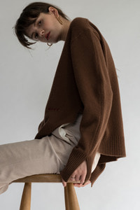 SOLD OUT *** Logo Embroidery Wool Cashmere Pull Over /Madeira Brown