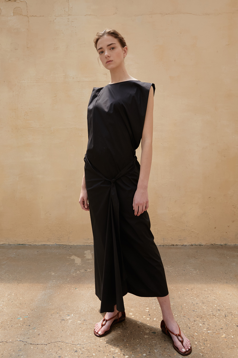 Dress Sleeveless Atypical Black