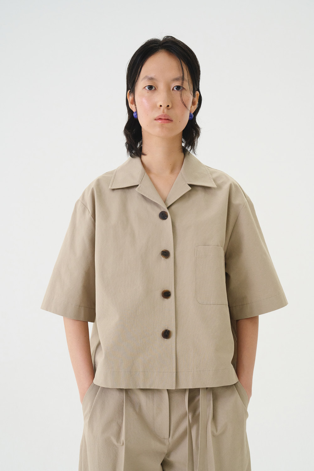 Shirts Crop Button Khaky Beige